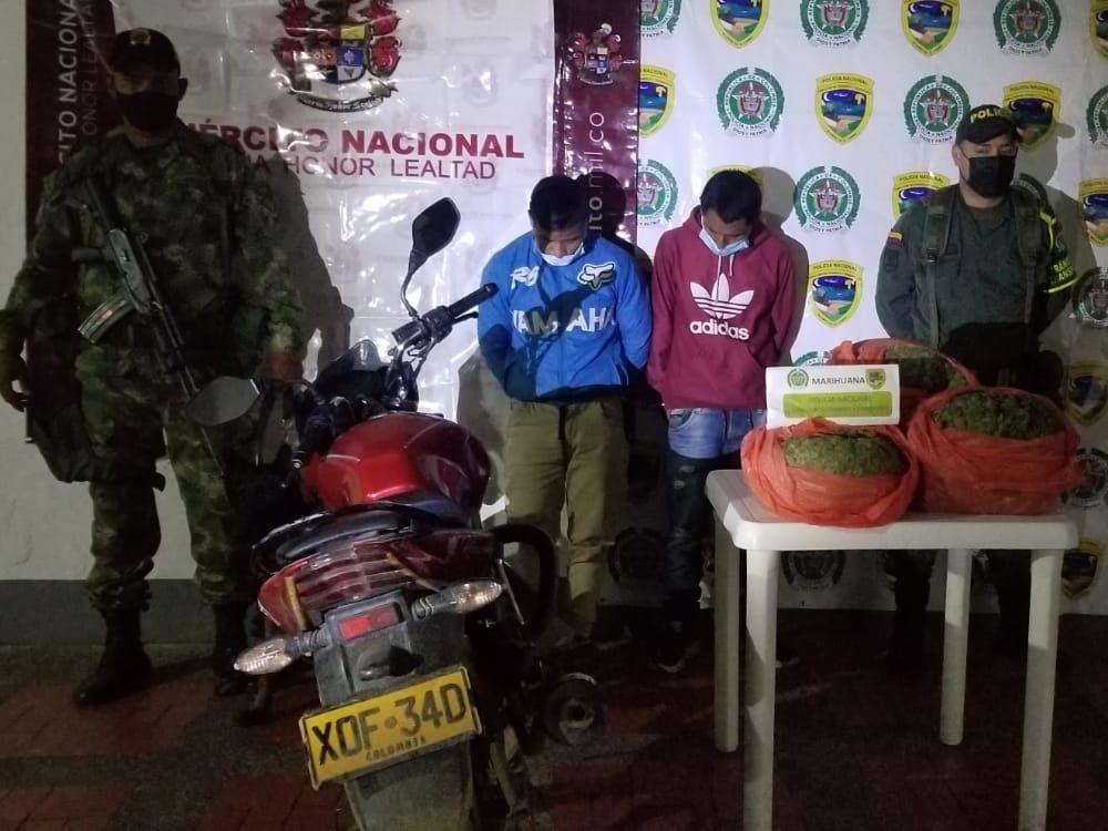 Dos jóvenes capturados con 8 kilos de marihuana