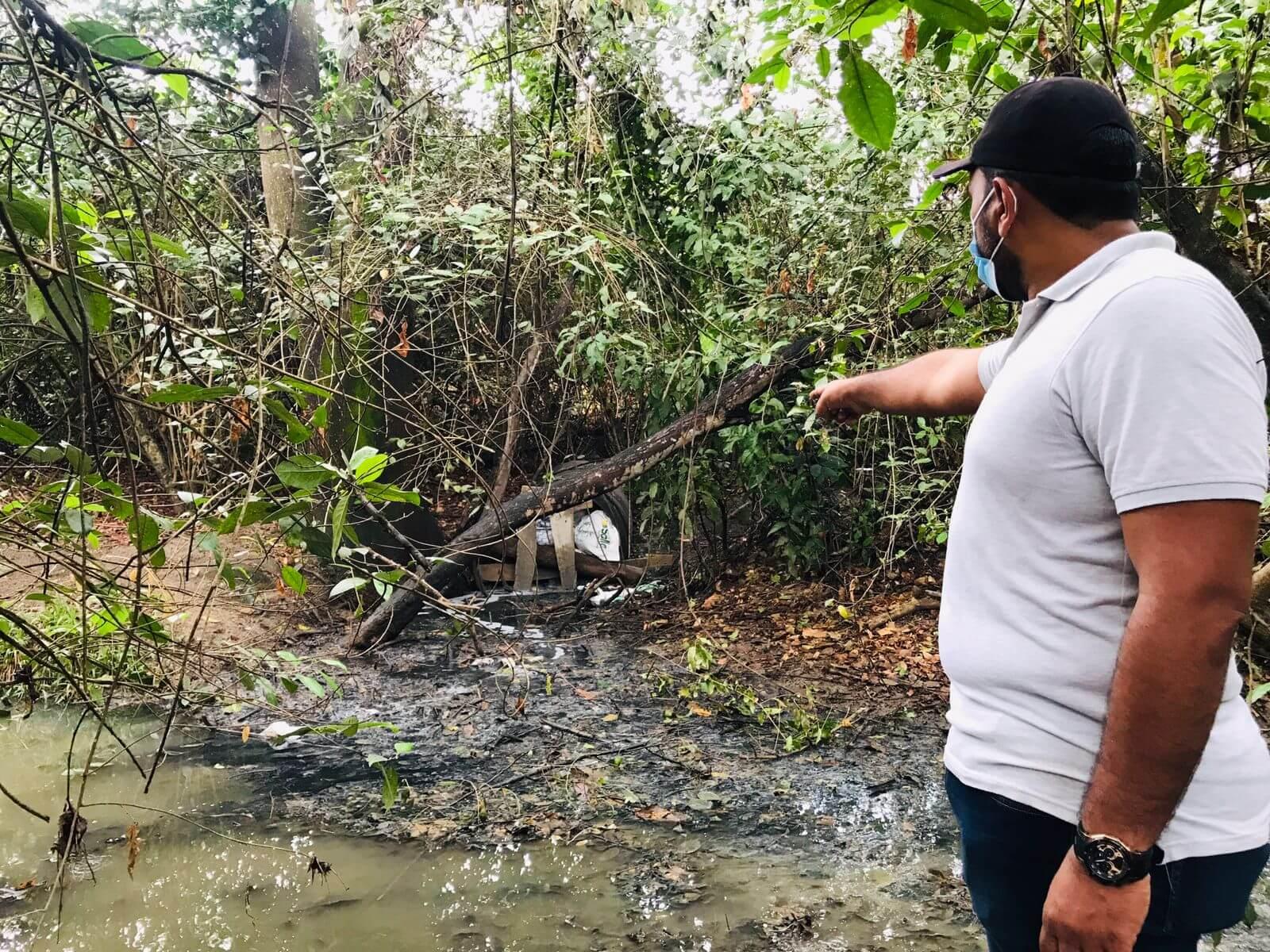 Quebrada La Carepa afectada por aguas servidas de Surabastos