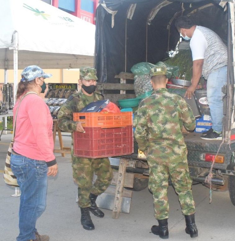 Mercados campesinos buscan reactivar la economía en Neiva