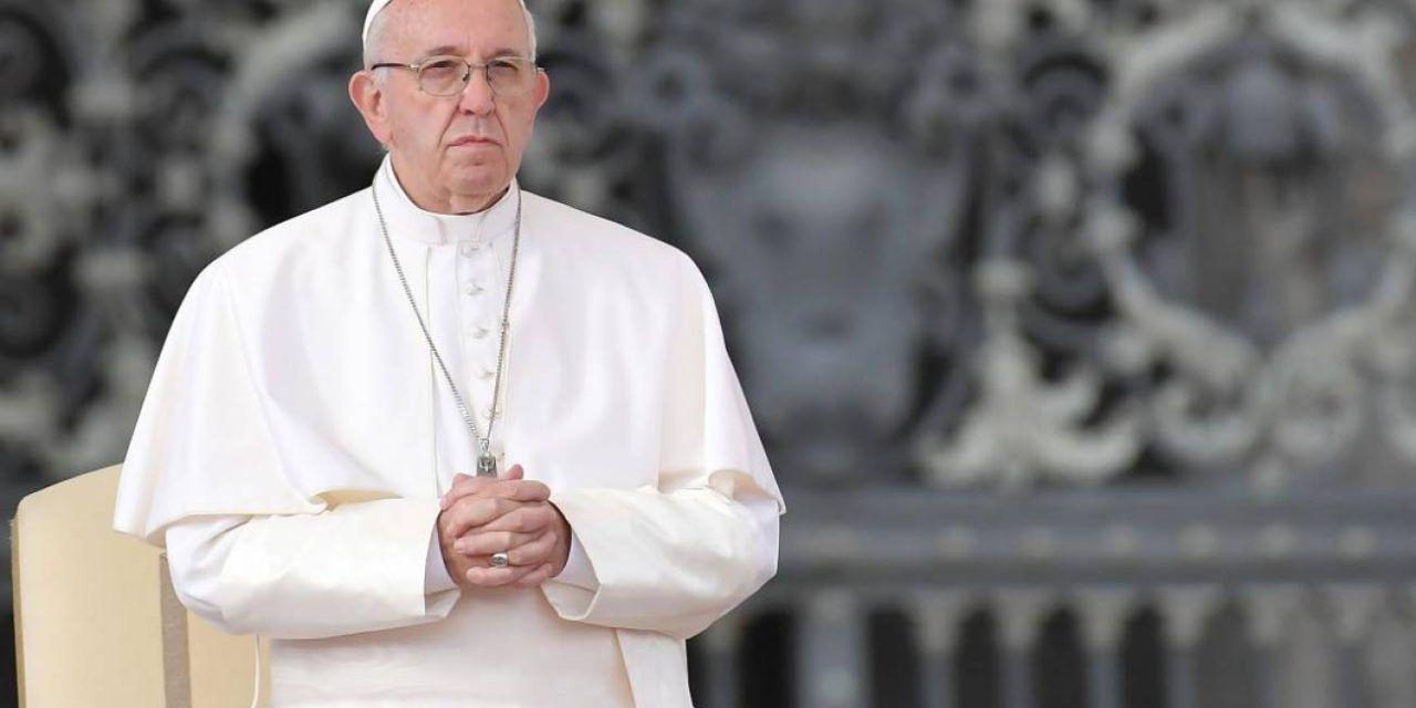 El Papa Francisco dice que abortar es similar a contratar un sicario