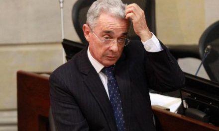 Uribe propone reducir jornada laboral de 48 a 42 horas semanales