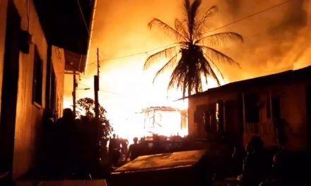 Una niña y una funcionaria de la alcaldía, las víctimas mortales del grave incendio en Riosucio