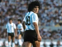 Maradona se habría caído y golpeado su cabeza días antes de su muerte