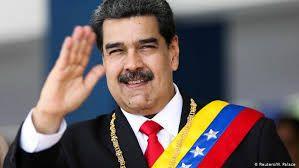 Maduro dio su número de WhatsaApp en plena transmisión televisiva