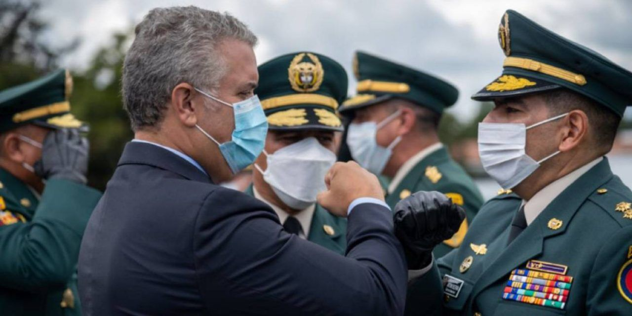 Dos militares fueron ascendidos a pesar de investigaciones por falsos positivos