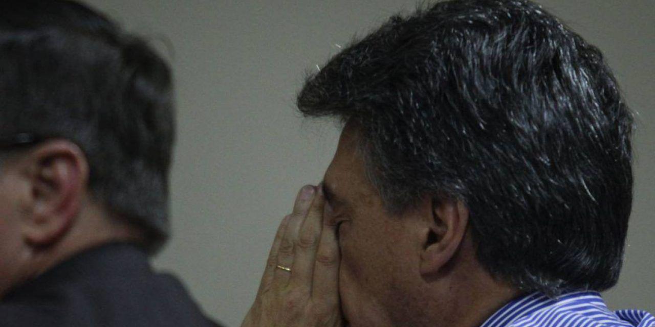Condenan a Carlos Albornoz por corrupción en la extinta DNE