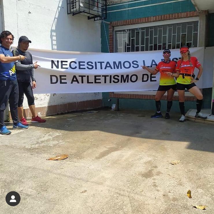 Deportistas exigen la construcción de la pista de atletismo.