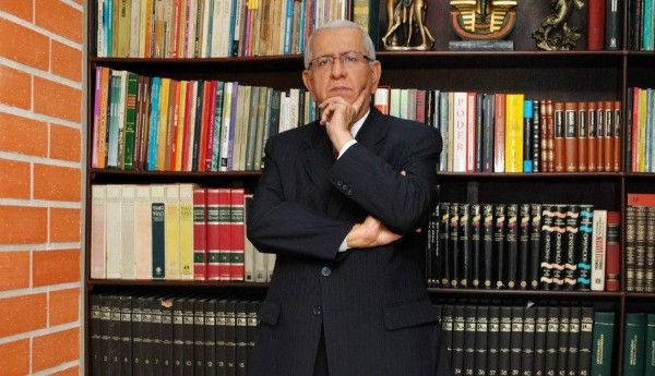 Abogado constitucionalista, Hugo Tovar Marroquín.