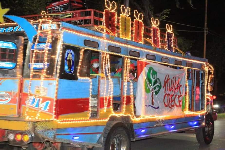 La caravana recorrió varios barrios del municipio.