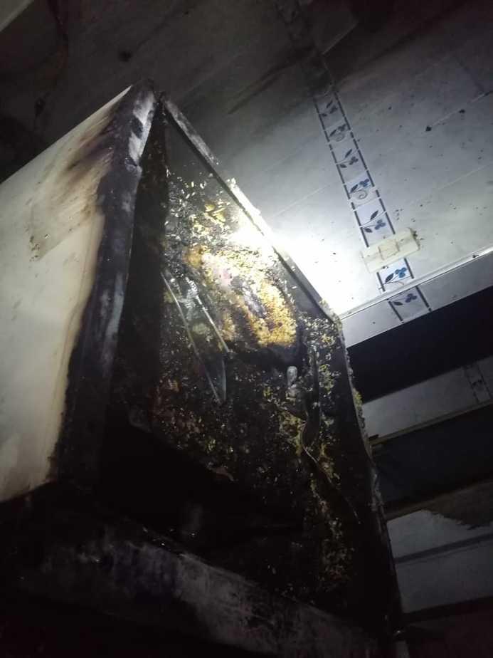 La primera emergencia atendida en la noche del 24 de diciembre fue un incendio estructural presentado en el barrio El Limonar.