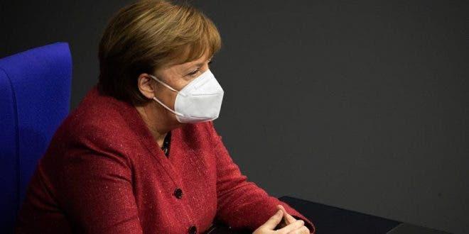 Merkel defiende más restricciones para frenar el coronavirus en Alemania