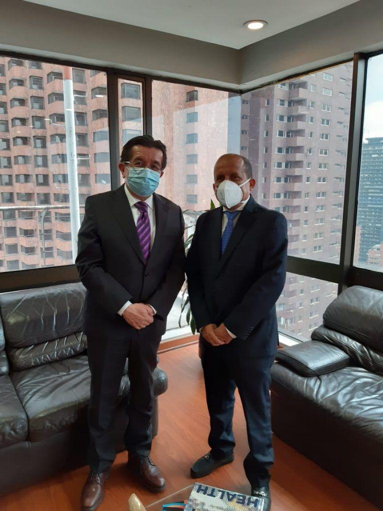 Reunión de las autoridades huilenses con el viceministro de Salud Pública, Luis Alexander Moscoso en Bogotá.