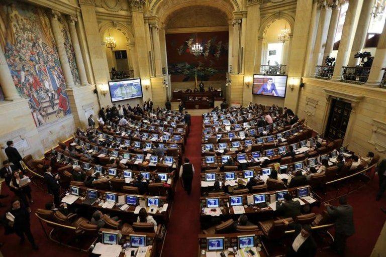 Radican ponencia de reforma a la salud en el Congreso con una firma clasificada