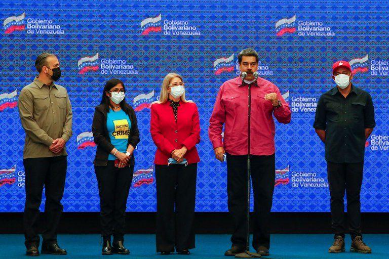 Gran parte de la comunidad internacional no reconoce las elecciones celebradas por la dictadura de Maduro en Venezuela (REUTERS/Fausto Torrealba).