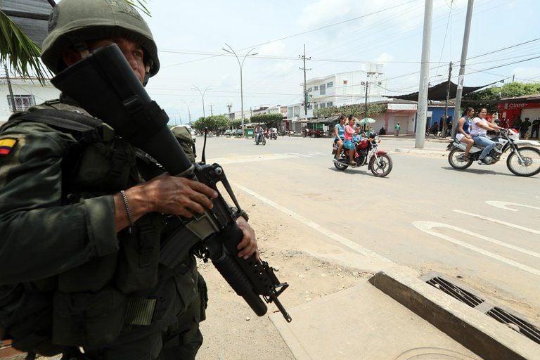 Enfrentamientos entre grupos subversivos obligaron a una comunidad de Tibú a desplazarse