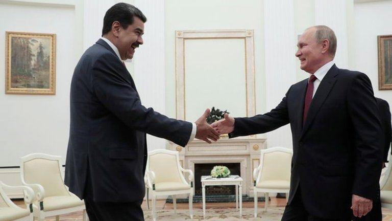 Rusia elogió las elecciones parlamentarias convocadas por la dictadura de Nicolás Maduro en Venezuela (Sergei Chirikov/Pool vía REUTERS)