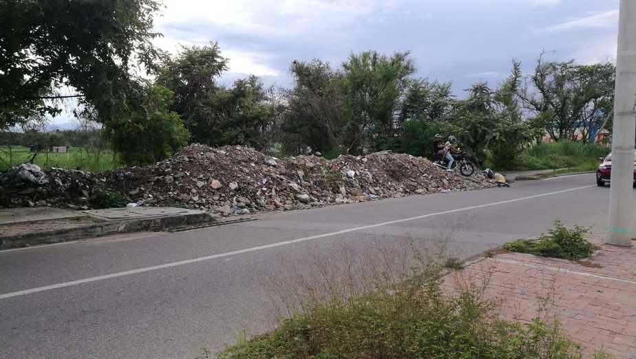 Comunidad exigió a la administración municipal, una pronta intervención a la Transversal Séptima.