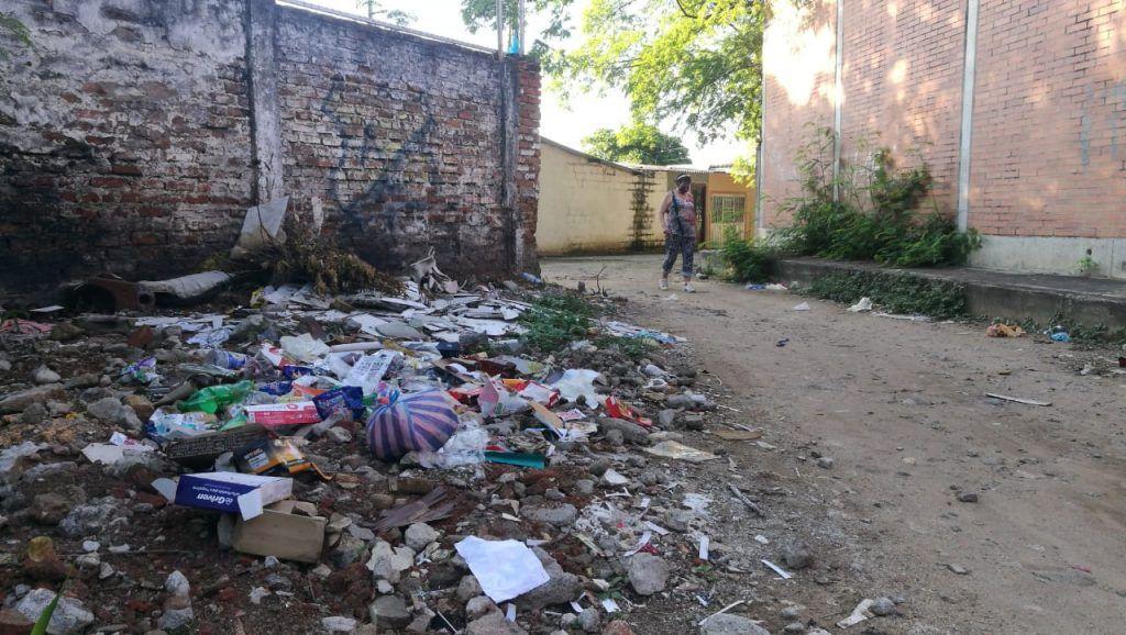 Colegio Oliverio Lara se ha tomado algunos metros de más, indicaron habitantes.