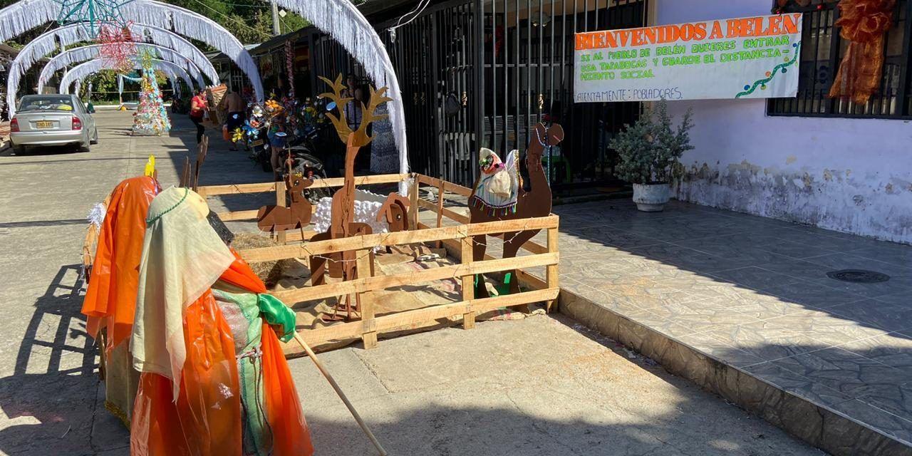 Con elementos reciclables, una cuadra de Palermo adornó la navidad