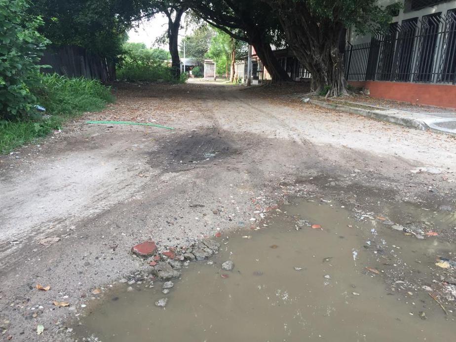 Vías sin pavimentar son un problema para la salud de los habitantes.