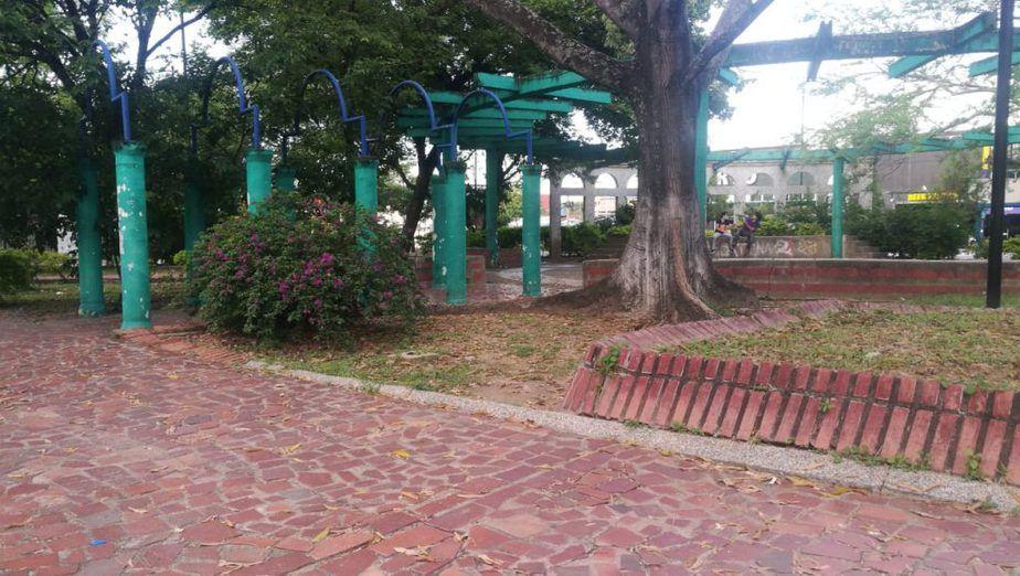 Parques y zonas verdes deberán ser intervenidos por los locales comerciales que participen de la iniciativa.