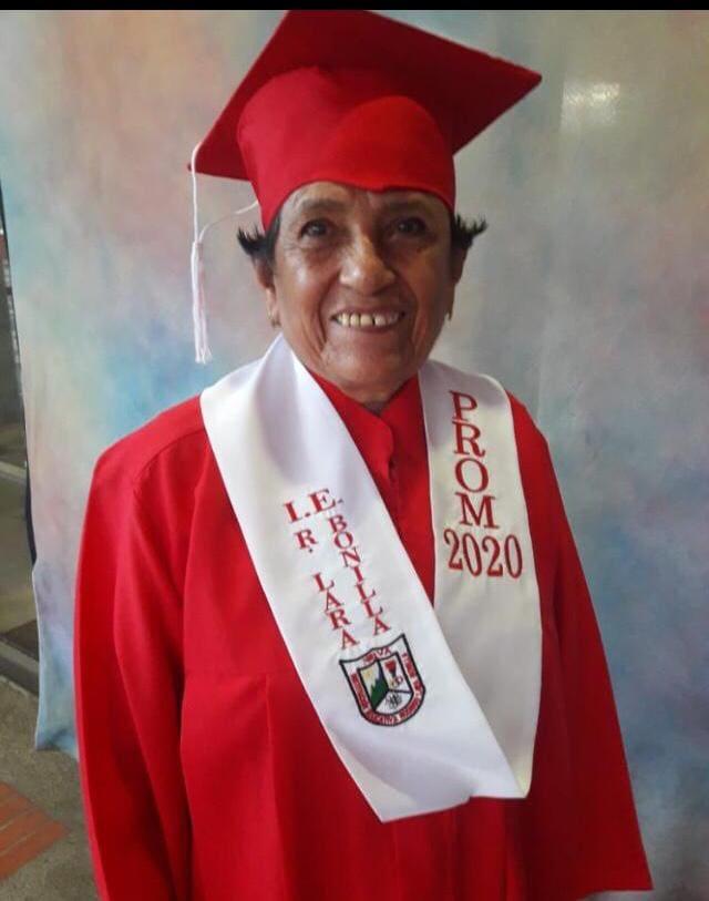Delfina Castellanos se graduó en símbolo de motivación a los jóvenes.