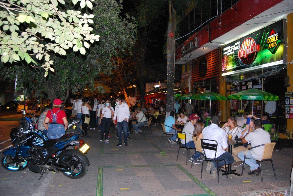Asobares manifestó que más del 50% de los empresarios de bares entraron en quiebra tras la pandemia.