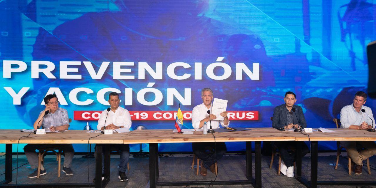 Iván Duque sancionó ley de vacunas gratis para COVID-19
