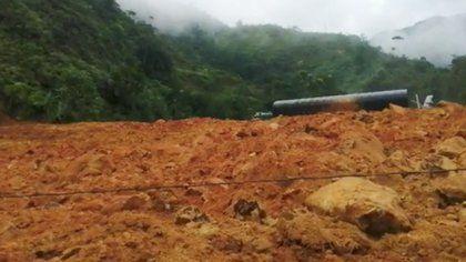 Dos muertos dejó derrumbe en la vía Medellín – Bogotá