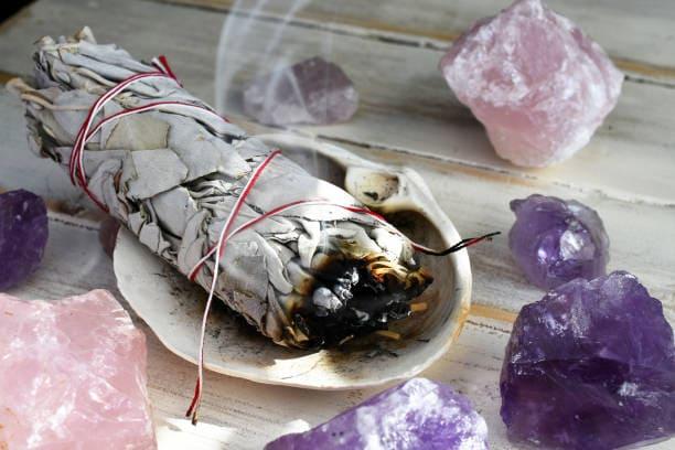 El sahumerio es lo que más se vende en el centro de Neiva para fin de año.