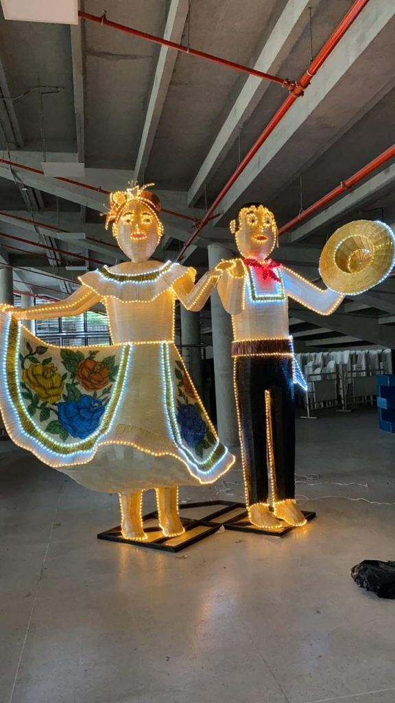 400 figuras fueron elaboradas por los artesanos.
