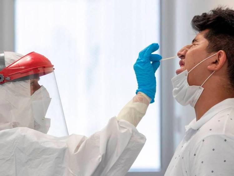 Nueva cepa de COVID-19 es entre 50% y 74% más contagiosa