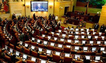 Senadores ganarán 100 millones de pesos durante tres meses que no trabajarán