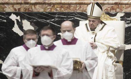 Oponerse a la vacuna es negacionismo suicida: Papa Francisco