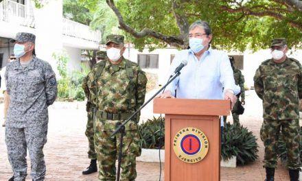Senador Sanguino acusa a Carlos Holmes en usar su cargo para aspiraciones presidenciales