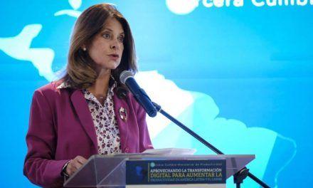"""""""El cierre total es impensable"""": Marta Lucía Ramírez"""