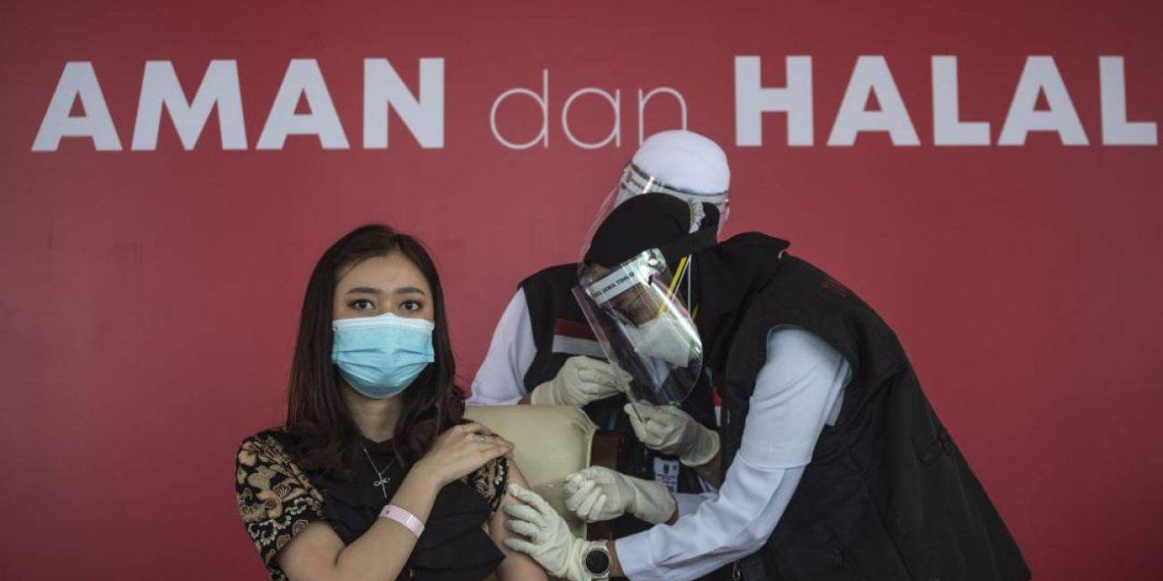 Indonesia priorizará vacunar contra el Covid a la población más joven de su país