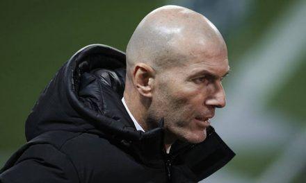Zinedine Zidane dio positivo al COVID-19