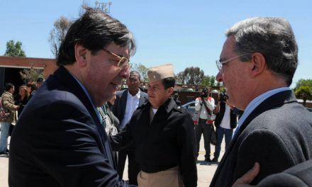 «Parte el alma el fallecimiento del ministro Carlos Holmes Trujillo»: Uribe
