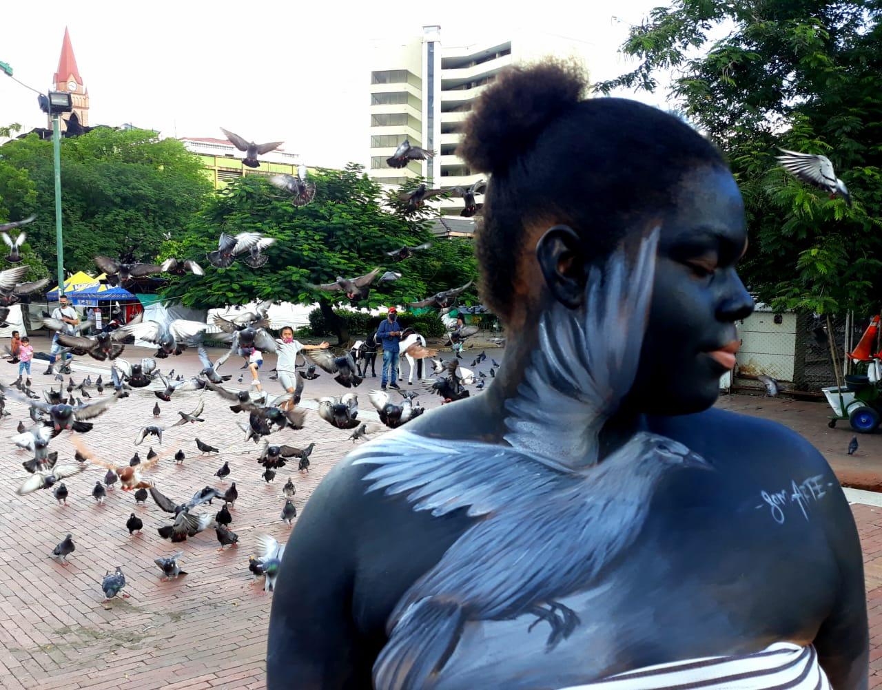 El arte callejero es arte visual creado en lugares públicos, generalmente obras de arte.