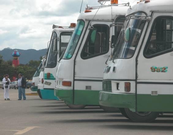 Transporte terrestre especial pide ser incluido en el Plan Nacional de Vacunación