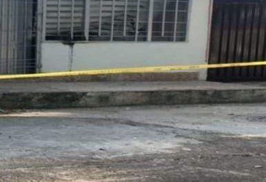 Artefacto explosivo fue lanzado contra una vivienda