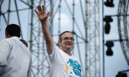 Timochenko se ofrece como mediador para negociar vacunas con Cuba