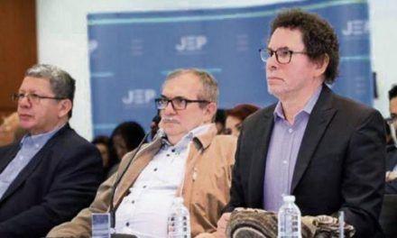 Partido Farc analizará cambio de nombre y logo