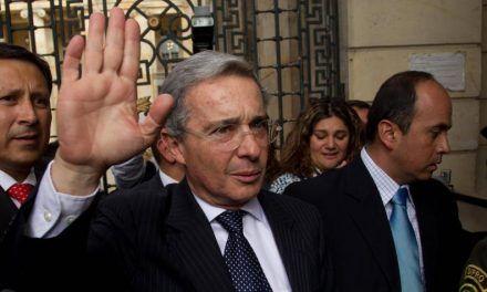 A Uribe le gustaría que el periodista Carlos Antonio Vélez llegue al senado