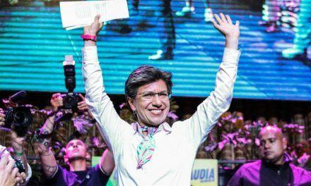 Radican revocatoria contra la alcaldesa Claudia López
