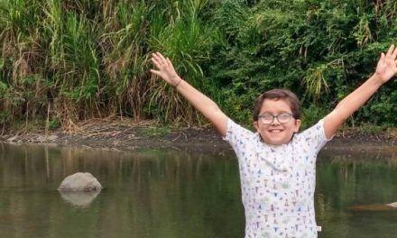 Duque dice que encontrarán a «bandidos» que amenazaron al niño ambientalista