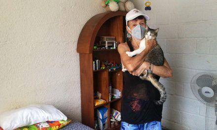 Doña Aurora y su profundo amor por los animales