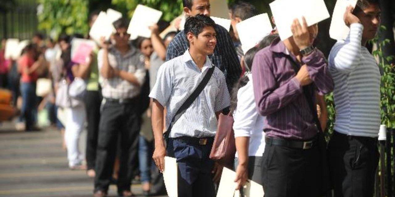 Cuarentena más restricciones resultaron en la caída del empleo