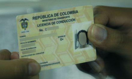 Licencia de conducción, con triquiñuelas a todo costo